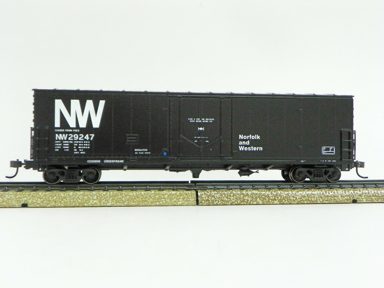 ATHEARN - 2003 HO R-T-R  N&W  50' PD YOUNGSTOWN