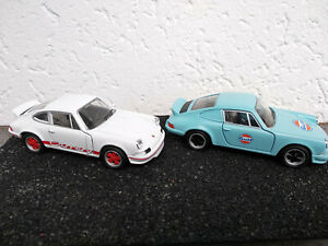 Lot-de-2-Porsche-Carrera-rs-1973-en-metal-blanche-et-bleue-Gulf-11-5cm-neuve