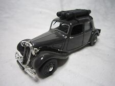 AD984 UNIVERSAL HOBBIES UH 1/43 CITROEN TRACTION 11 LEGERE 1941 EDITION PRESSE
