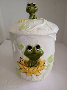 Vintage-1977-Neil-The-Frog-Family-Sears-Large-Canister-Flour-Cookie-Jar