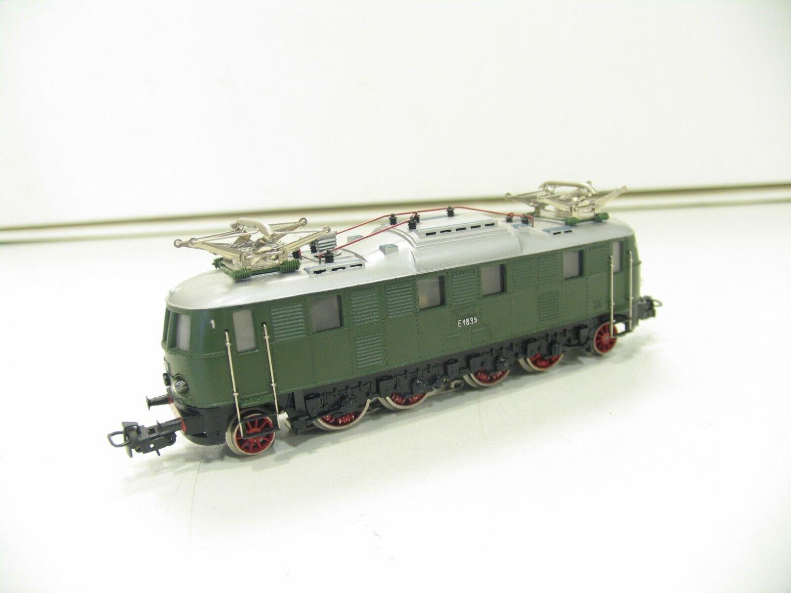 MÄRKLIN 3024 E-LOK  E 18 green der DB  TOOOOOPPPPP  JS4