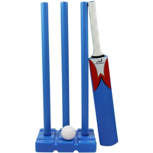 WOODWORM JUNIOR PLASTIC CRICKET SET INC BAT, BALL AND STUMPS GARDEN OR BEACH