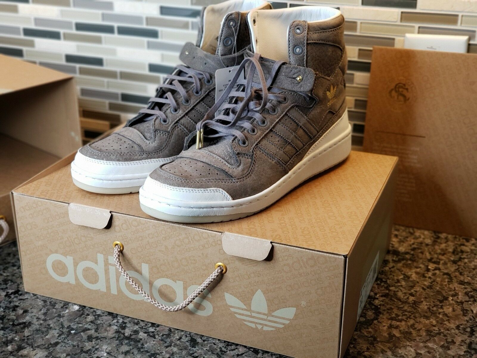 Adidas Forum REAL LEATHER Crafted Pack Men's Size 11 shoes&Cleaning KIT BW1253