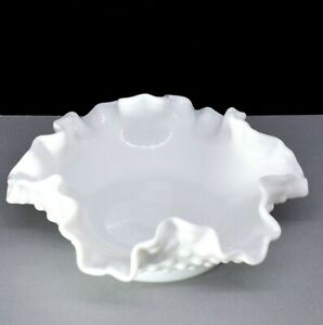 Fenton Art Milk Glass HOBNAIL BONBON DISH 14cm.