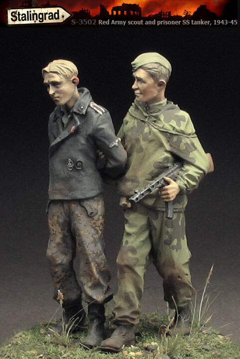 Stalingrad 3502 1 35 Red Army Scout and Prisoner SS-Tanker, 1943-45