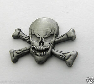 Skull-and-Cross-Bones-Lapel-Pin-Pewter-1-inch