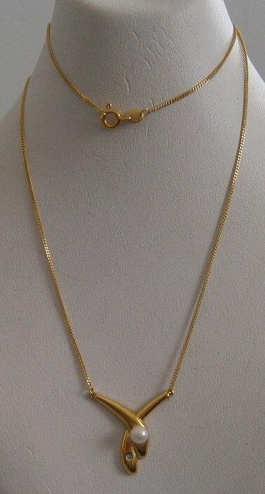 Collier aus 333 gold mit Anhänger Perle und Zirkonia   (d0350)