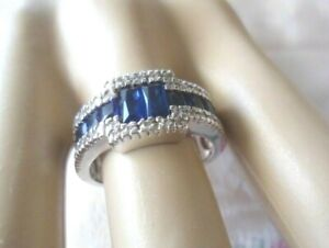 Vintage-Jewellery-Gold-Ring-with-Blue-White-Sapphires-Antique-Art-Deco-Jewelry