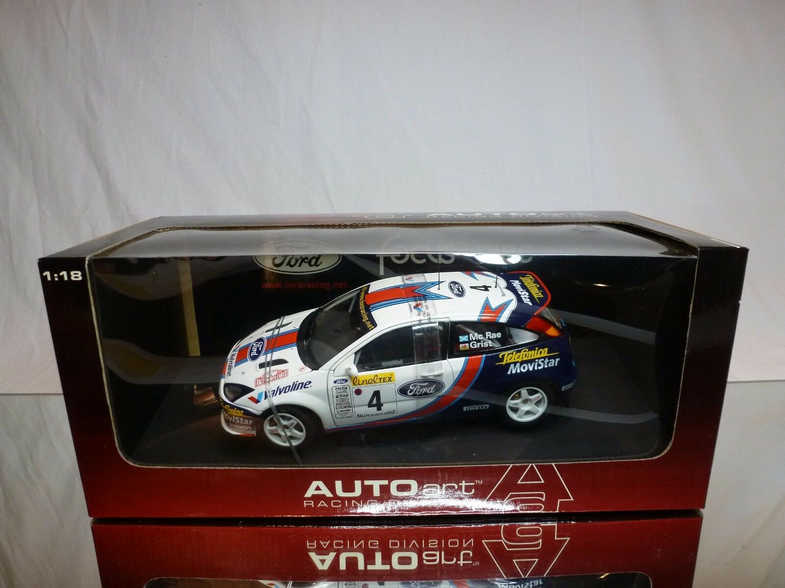 AUTOART 80113 FORD FOCUS WRC 2001 - Mc RAE 1 18 - BOXED + TRANSPORT STRAPS CAR