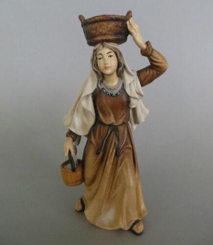 bemalt,Hirtin AM8 Frau mit Korb für Krippenfiguren Größe 14-15 cm,Holz geschn