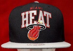 big sale 201c5 3ee38 Image is loading Miami-Heat-NBA-Mitchell-amp-Ness-snapback-adjustable-
