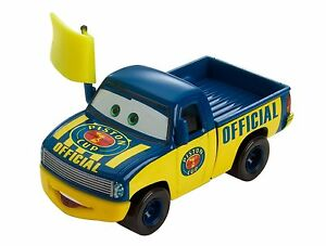 Disney Pixar Cars Dexter Hoover Cdp40 Piston Cup 10 18 Yellow Flag