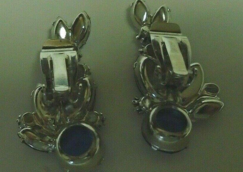 Vtg crescent shaped sapphire color clip earrings - image 4