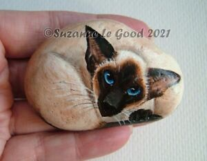 Siamese-cat-art-painting-pebble-stone-rock-original-hand-painted-Suzanne-Le-Good