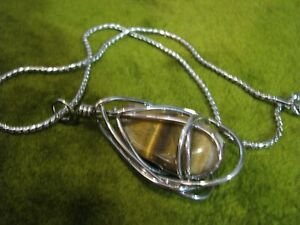 SHINY-SILVER-TONE-WIRE-WRAPPED-2-034-TIGER-EYE-ENCAGED-NICELY-16-034-CHAIN-REAL-NICE-PC