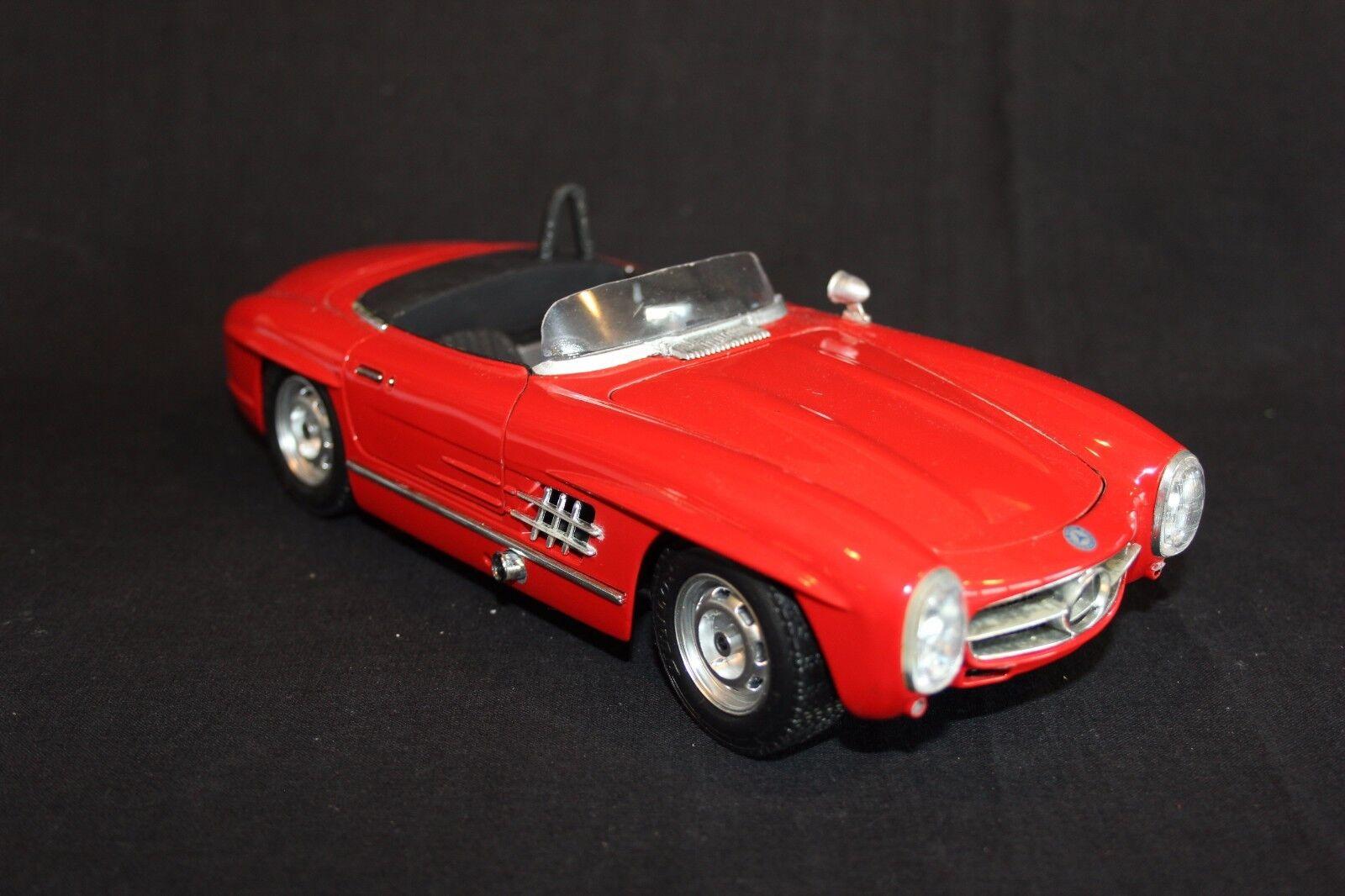Bburago Mercedes-Benz 300 SLS 1 18 rosso  04   003 (JS)