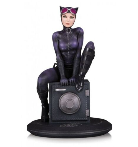DC Cover Girls statuette Catwoman by Joelle Jones 18 cm