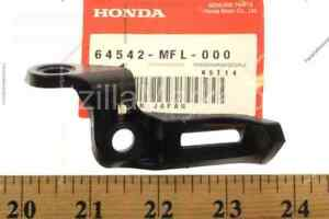 HONDA 64542-MFL-000 STAY L COWL