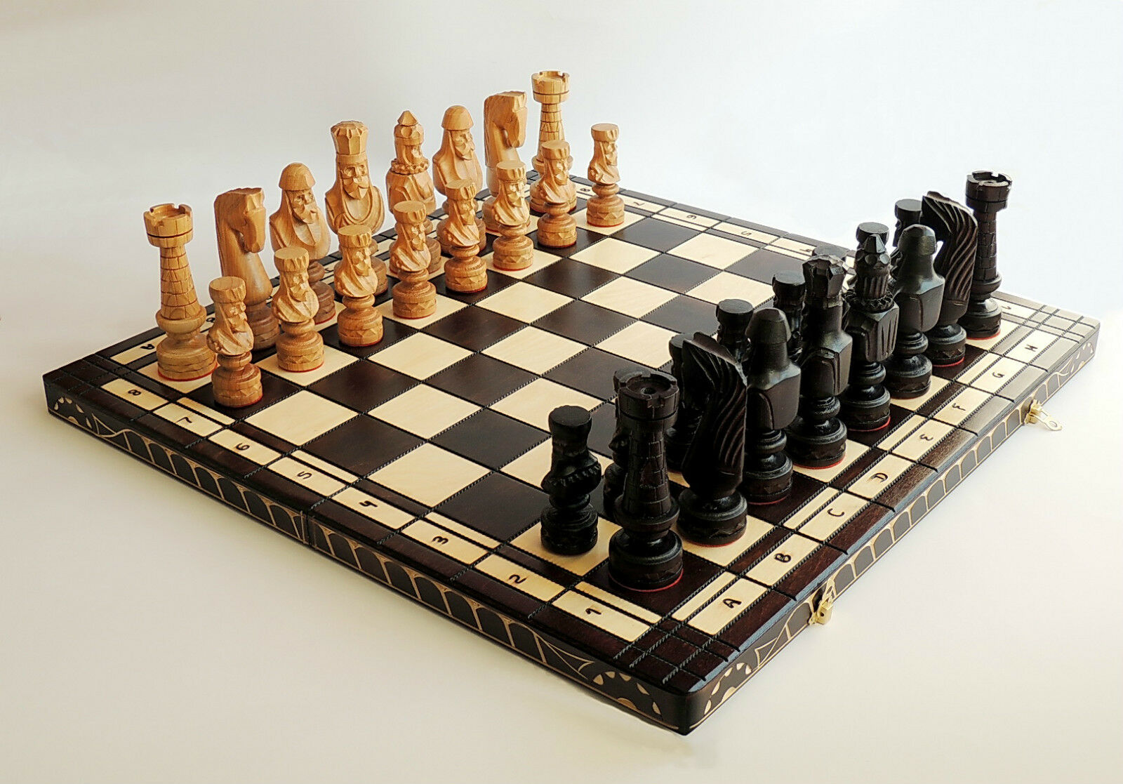 NEW LUXURY HAND CARVED CHERRY WOODEN CHESS SET 59cm