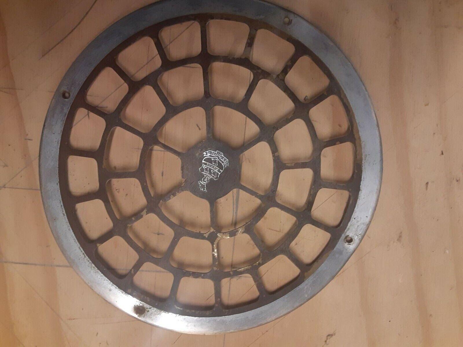Image 1 - Rare Pierce Arrow Radio Grill with Crest