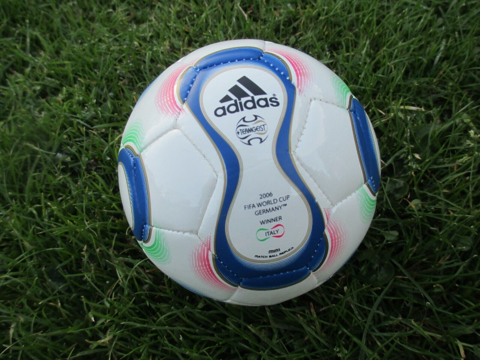 Adidas World Cup 2006 Teamgeist Größe 0 Official Mini Match Ball Replica Football