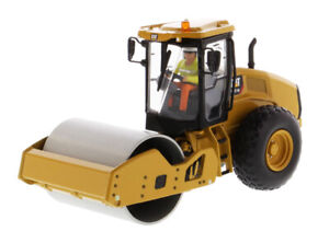 Die-cast-Masters-85589-CAT-CS11-GC-Vibratory-Soil-Compactor-1-50-Die-cast-MIB