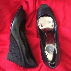 COACH-Womens-SZ-5-5B-Black-Monogram-Wedge-Heel-Peep-Toe-Leather-Shoes