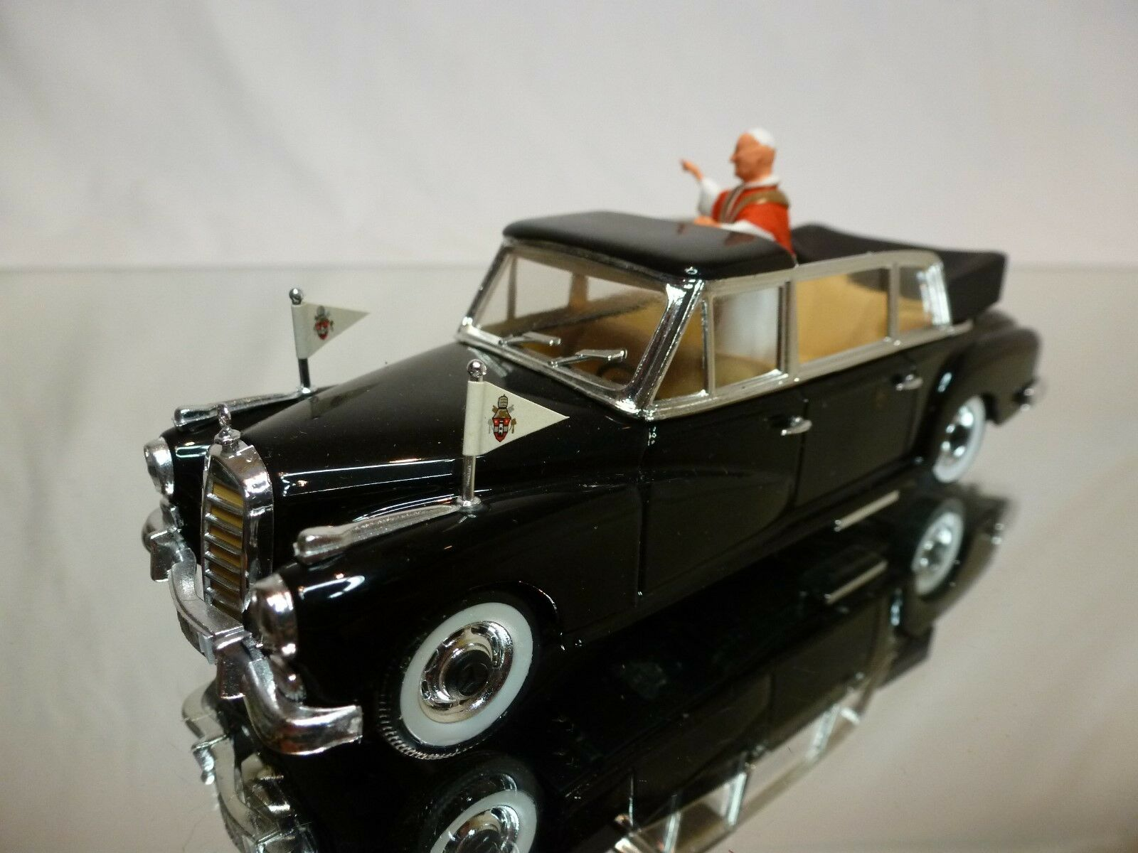 RIO 1 43 - - - MERCEDES 300D LIMOUSINE 1960 - POPE PAPA   - VERY GOOD CONDITION. 271a50