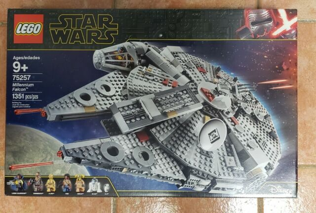 Lego Star Wars 75257 Millennium Falcon Minor Box Damage