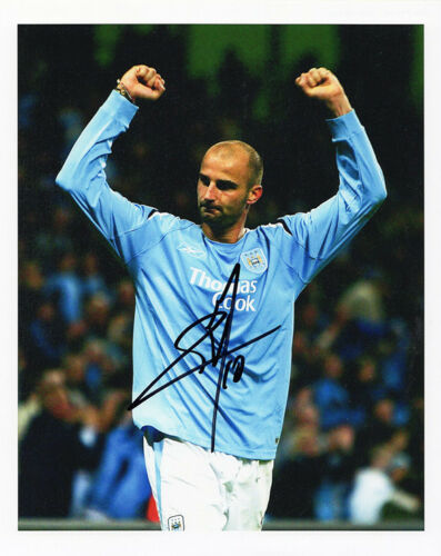 Antoine Sibierski, Manchester City, signed 10x8 inch photo. COA.
