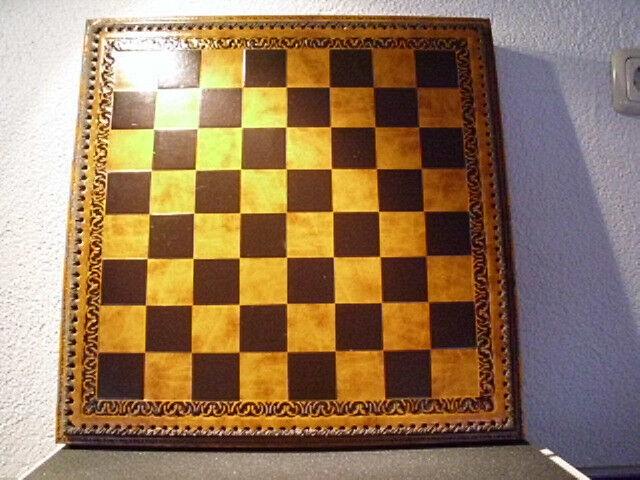 Schachbrett mit Fächern für Schachfiguren Lederoptik  Neu OVP Backgammonbrett