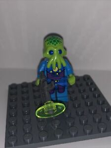 Lego Alien Trooper 71008 Collectible Series 13 Minifigure