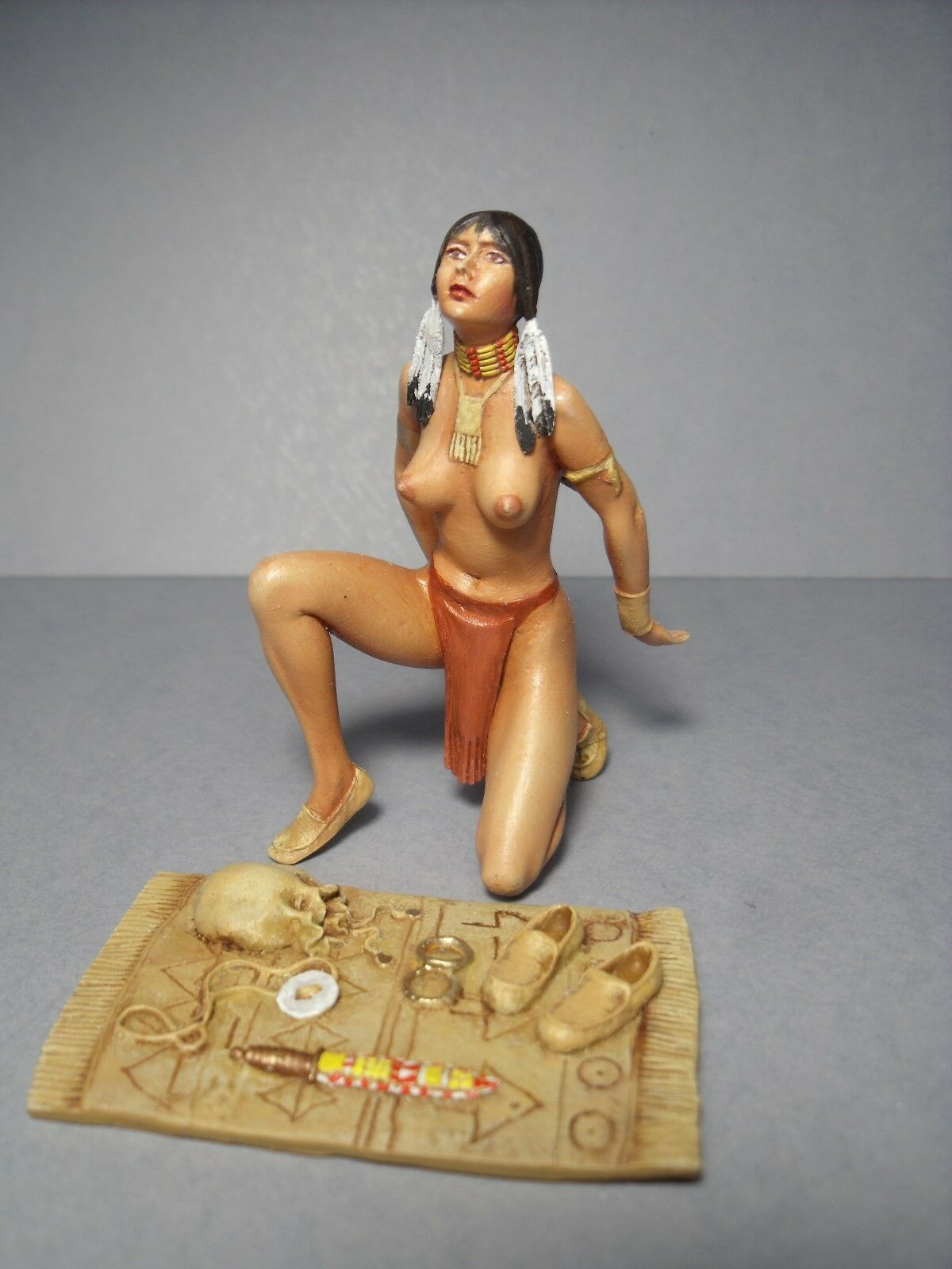 AKUTI  1 18  PAINTED  GIRL  FIGURE  BY  VROOM   FOR  AUTOART  MINICHAMPS