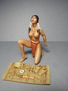 1-18-GIRL-FIGURE-AKUTI-PAINTED-BY-VROOM-MASCOTE-PHOENIX-90-MM