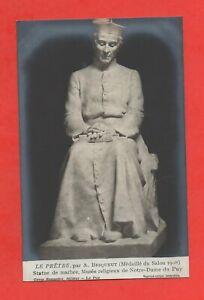 Le-Pretre-par-Andre-Besqueut-Statue-au-Musee-de-Notre-Dame-du-Puy-K917