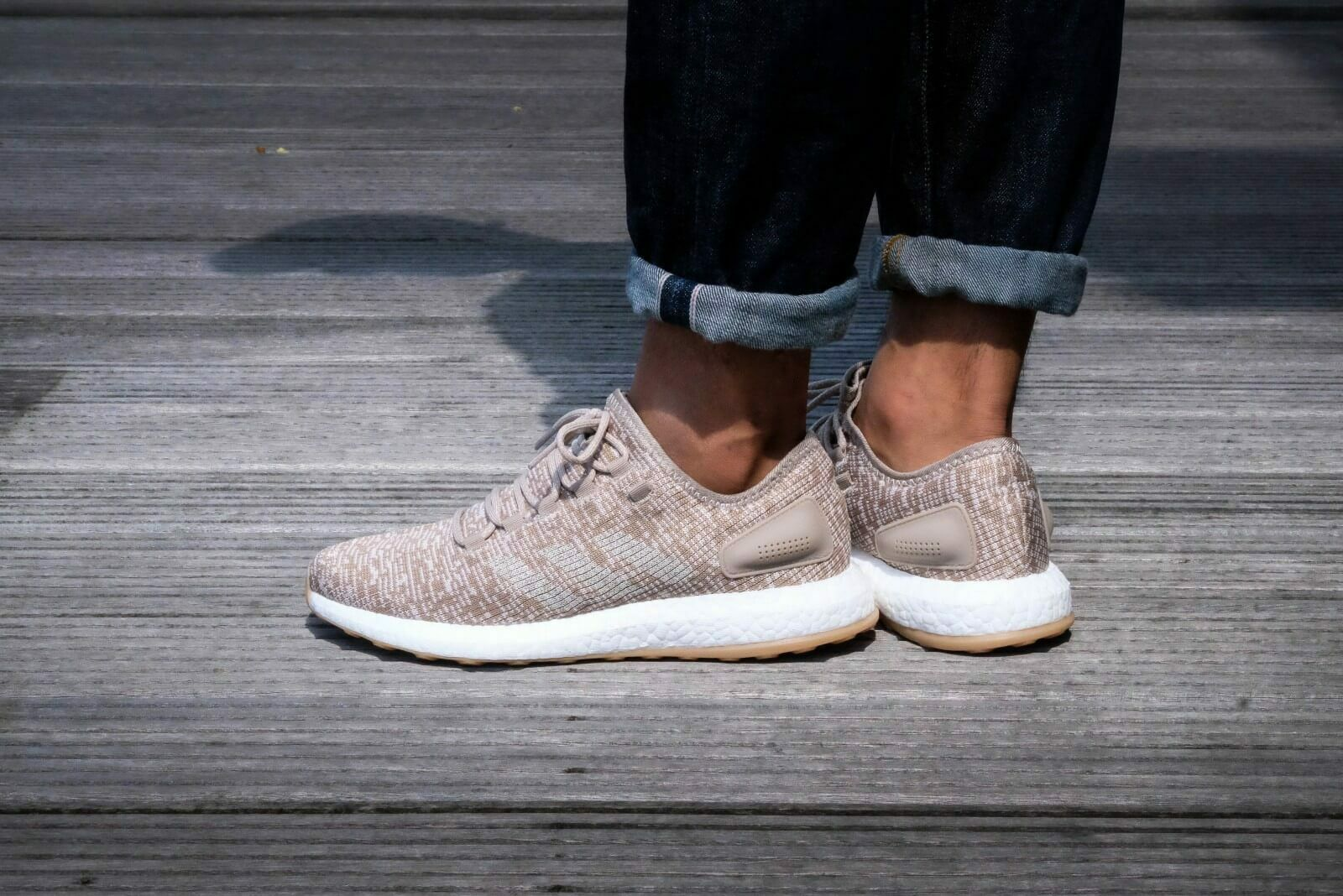 ADIDAS PURE BOOST correr para hombres zapatos rastro de Color caqui. Talla UK-7_8_9_9.5_10_12