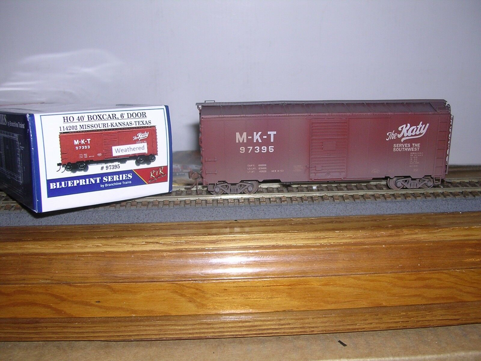 BRANCHLINE M-K-T 40' AAR Box Car w 6' Doors Weathered H.O. 1 87