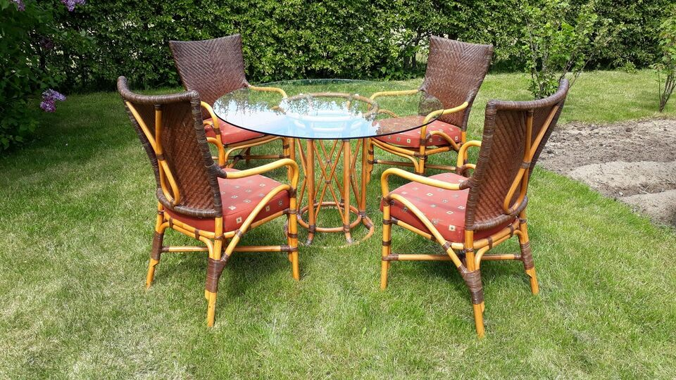 Spisebord med 4 stole, i bambus