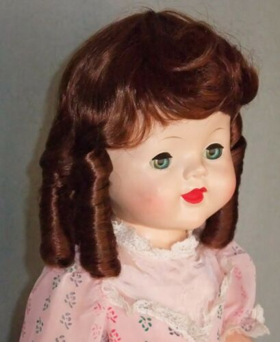 """SAUCY AUBURN WIG 13/"""" Sausage Curls NEW wig Lovely Chestnut Color"""