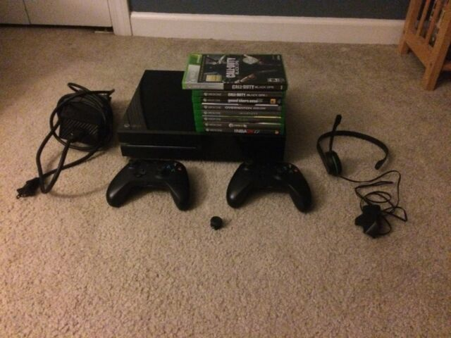 Xbox One bundle with 2 controller, 8 games, control freak, and headset