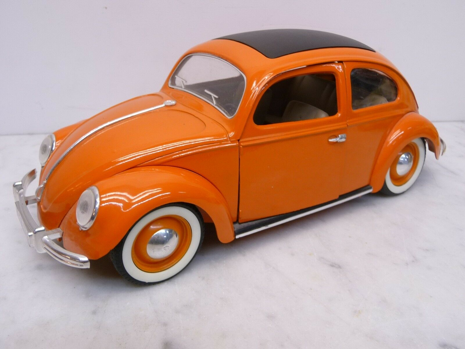 MAJORETTE 1:17 VW Beetle en couleur de corail avec Noir Faltdach Beaux flancs blancs TOP | Belle En Couleurs  | Que Nos Produits Vont Dans Le Monde  | Terrific Value  | La Qualité Et La Quantité Assurée