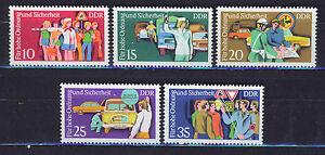 ALEMANIA-RDA-EAST-GERMANY-1975-MNH-SC-1678-82-Traffic-police-serving