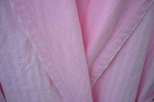 EILEEN WEST ROBE REVERSIBLE FITTED HOODED PINK WHI