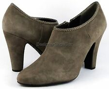 TAHARI ROSALEE Autumn Taupe Suede Designer Fashion Ankle Boots Booties 11