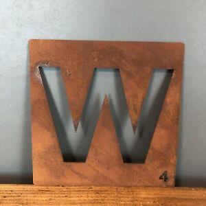 Belle Rusty Metal Scrabble Lettre Tuile Wall Decor Art Lettrage Personnalisé Vintage W-afficher Le Titre D'origine