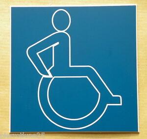 """Symbole De La Marque Plaque Gravée Signalisation Adhésive """" Accessible Accessibilite Handicape"""" Faire Sentir à La Facilité Et éNergique"""