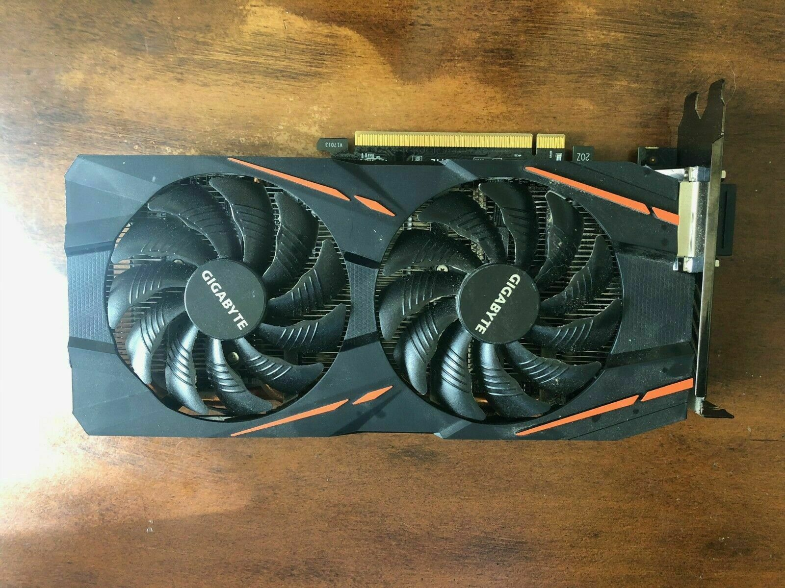 GIGABYTE Radeon RX 580 8GB GDDR5 Graphics Card (GVRX580GAMING8GD)( no box )