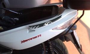 2-ADESIVI-3D-PROTEZIONE-MANIGLIE-compatibili-per-scooter-kymco-XCITING-300-e-500