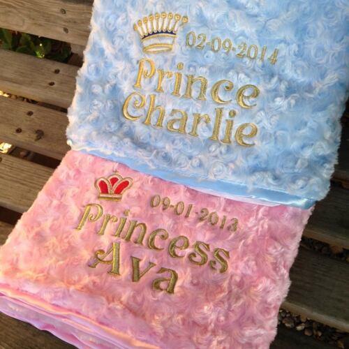 ** super mignon rose//bleu prince princesse bébé brodée personnalisée couverture