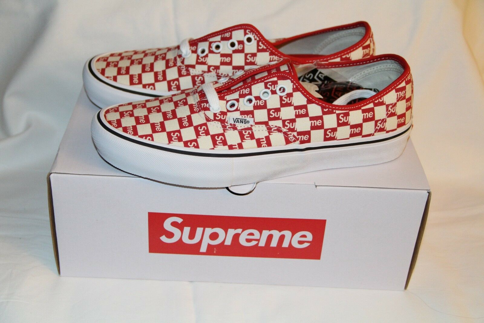 a5f8d99233a Supreme x Vans Authentic Red Red Red Checker Logo (Size 10) d7d677 ...